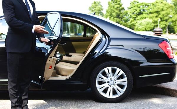 Colombia regula el servicio de taxis de lujo