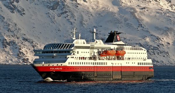 Hurtigruten mejora sus resultados en el mercado espanol
