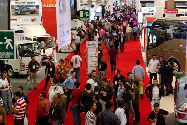 Miembros de la SCT inauguran Expo Transporte 2015