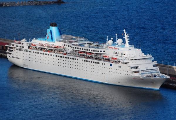 Navantia reforma un buque de Thomson Cruises