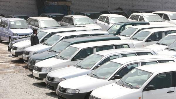 Peru reduce sus importaciones de vehiculos