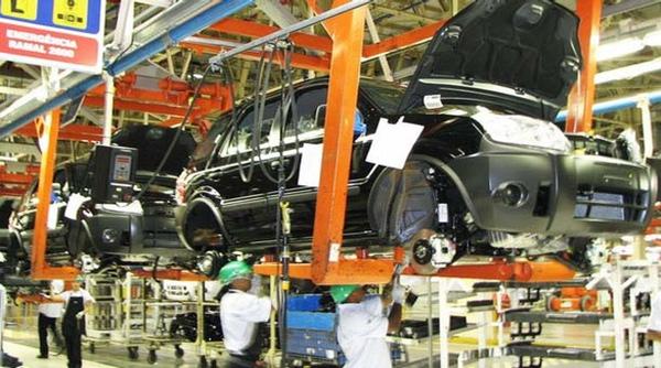 Produccion automotriz desciende en Brasil