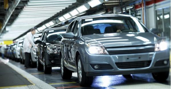 Produccion y exportacion de vehiculos desciende en Mexico