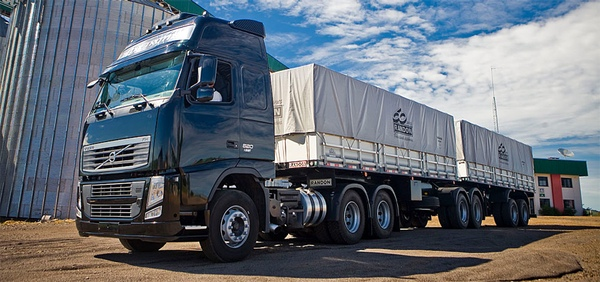 Volvo Trucks disena bitrenes para Argentina