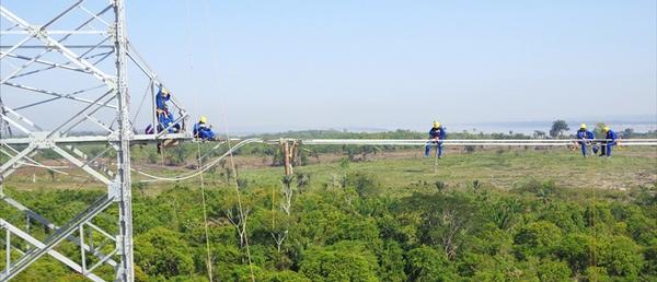 Abengoa paraliza proyectos en Brasil