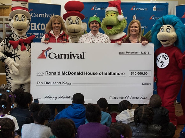 Carnival Cruise Line celebra evento navideno