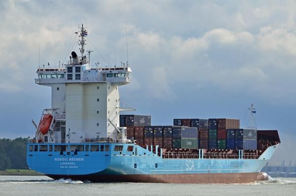 Dos buques colisionan en el canal de Kiel