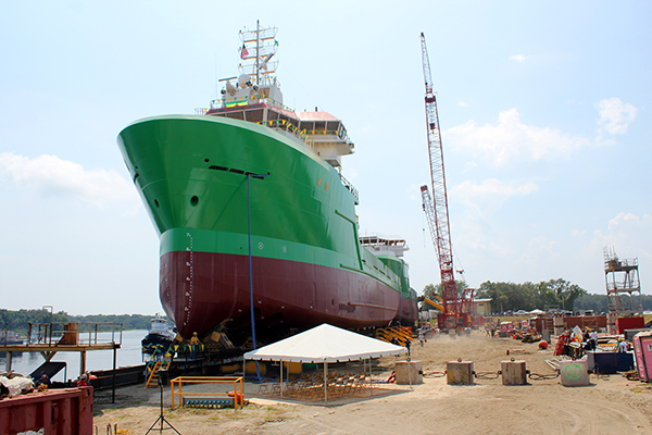 Eastern-Shipbuilding-Group-barco