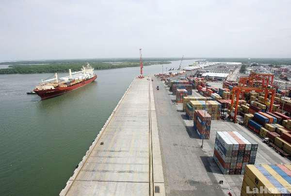 Ecuador busca inversion para sus puertos