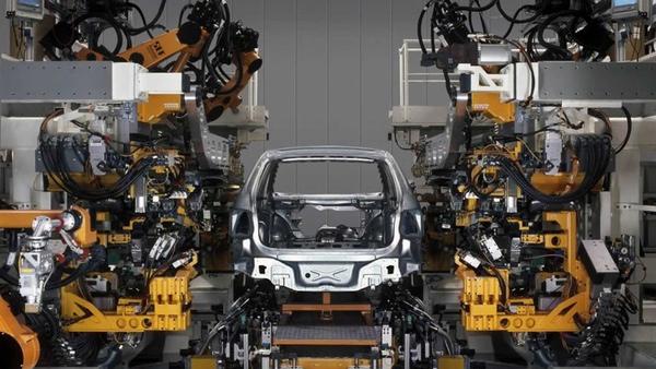 Exportacion de vehiculos mexicanos cae por cuarto mes consecutivo
