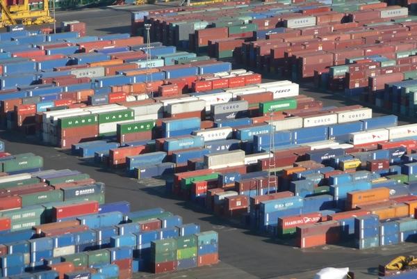IUMI insta a adoptar medidas frente al robo de carga maritima