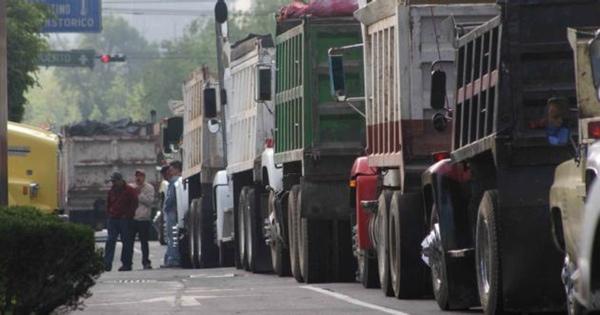 Mexico estudia limitar horario de circulacion de camiones