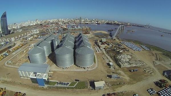 Terminal de Graneles Montevideo ya esta en activo