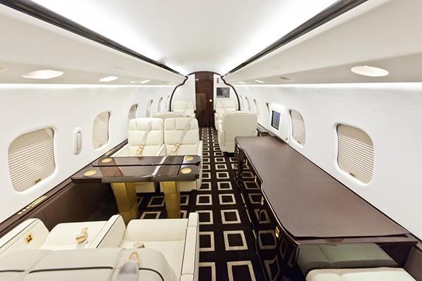 Amira-Air-avion-interior
