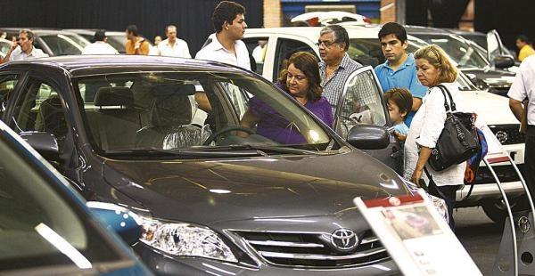 Bolivia aumenta importaciones de vehiculos chinos