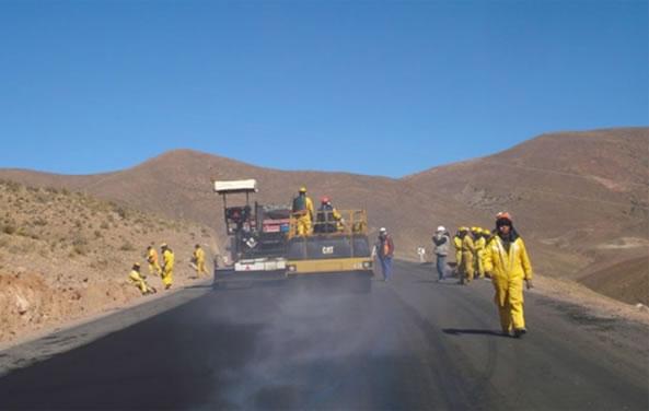 Bolivia desarrolla su primera carretera de diez carriles