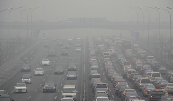 CE-debate-propuesta-de-elevar-limites-de-emisiones-de-vehiculos