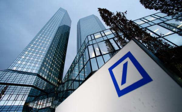 Deutsche-Bank-no-renovara-contrato-distribucion-con-correos