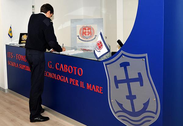 5d82d72b1 Once compañías navieras italianas bautizan cursos en el ITS Fondazione