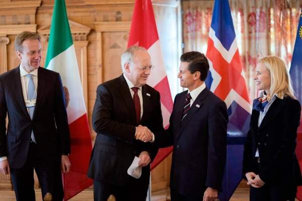 Mexico revisa su acuerdo comercial con la AELC