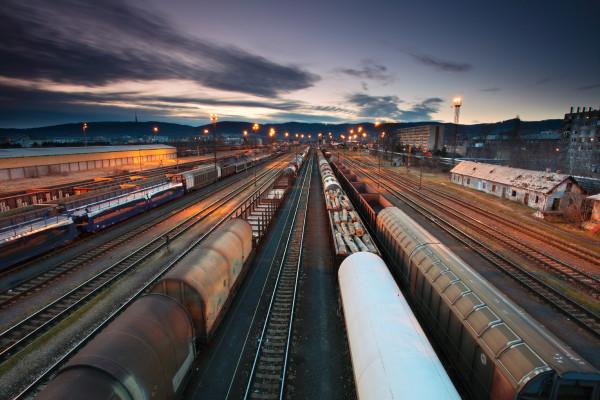 Transporte-de-mercancías-por-ferrocarril-desciende-en-Norteamérica-y-Rusia