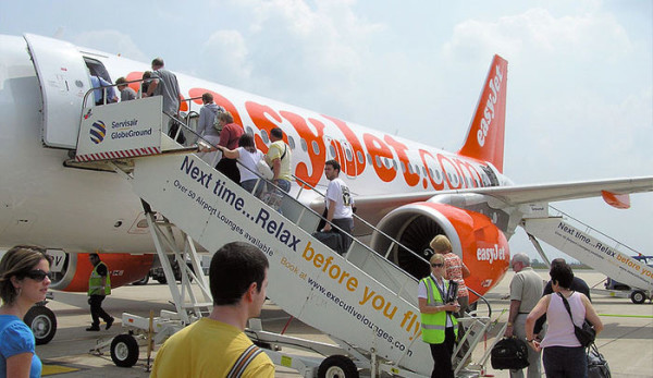 easyjet-reduce-sus-beneficios-en-2015