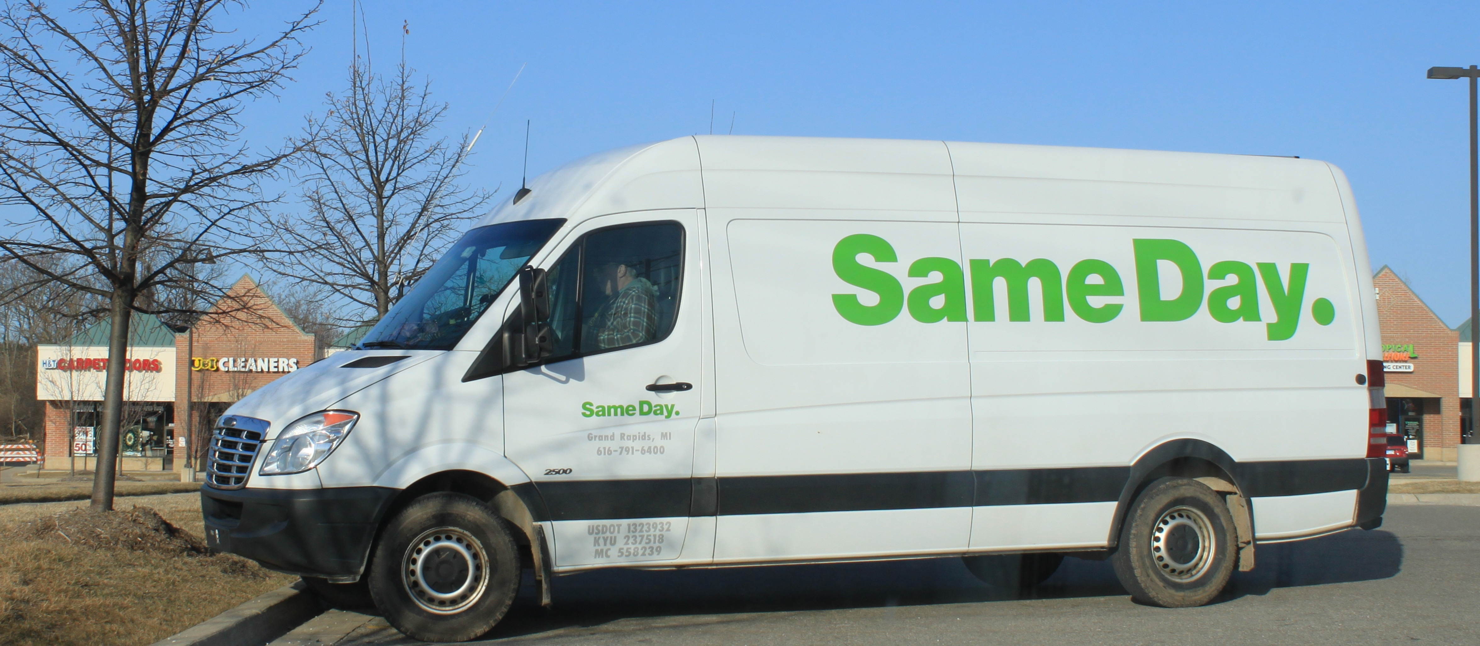entrega-mismo-dia-ecommerce-furgoneta