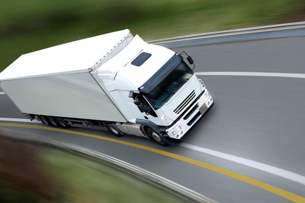 industria-automoción-transporte-presenta-Union-Europea-informe-C-ITS-Platform