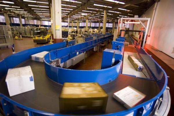 ventas-online-mueven-mil-millones-paquetes-en-reino-unido-2015