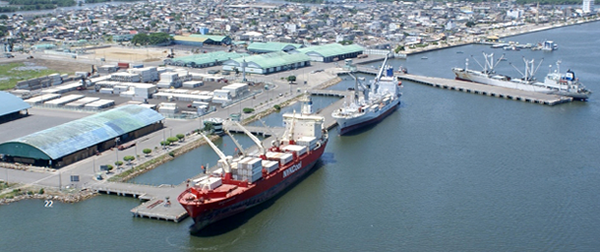 Ecuador mejora su infraestructura portuaria