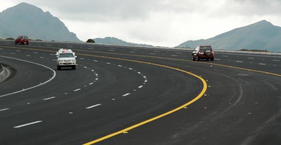 Ecuador mejora sus carreteras