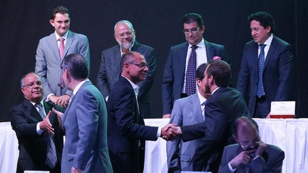 Empresas públicas y privadas firman alianza para desarrollo de Ecuador