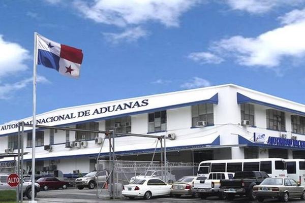 Panama quiere modernizar sus aduanas