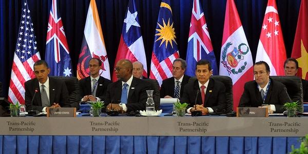Peru firma el TPP