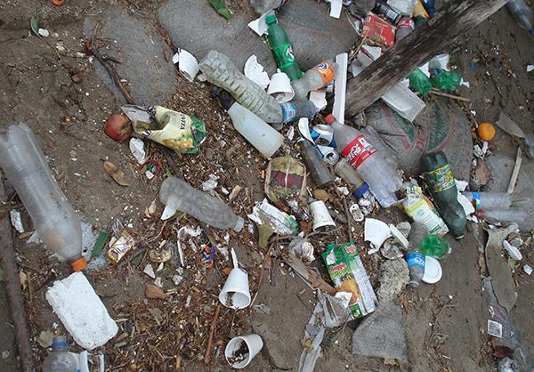 contaminacion-latas