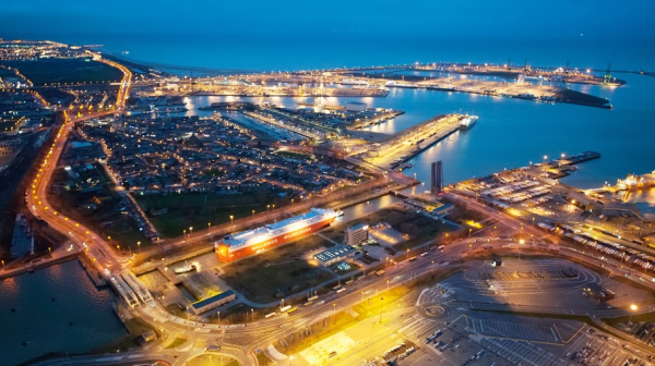 puerto-zeebrugge-se-establece-lider-mundial-en-manipulacion-de-vehiculos