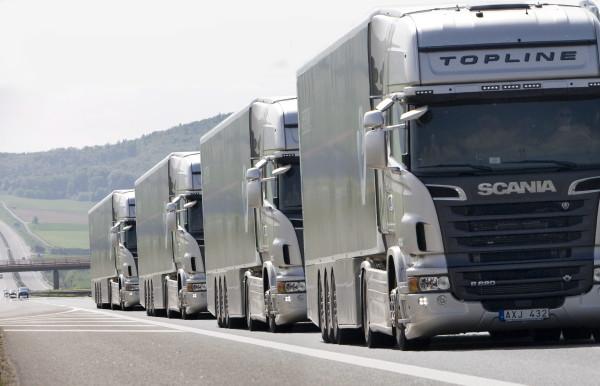 Camiones-Scania-en-ruta-platooning