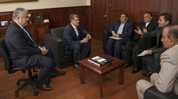 Ecuador intensifica su relacion comercial con Iran
