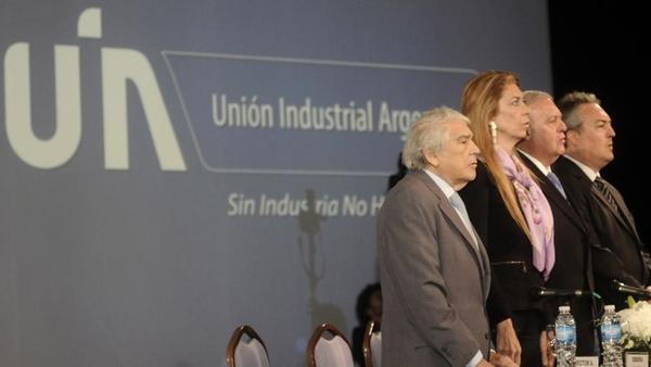 Empresarios argentinos buscan aumentar la competitividad