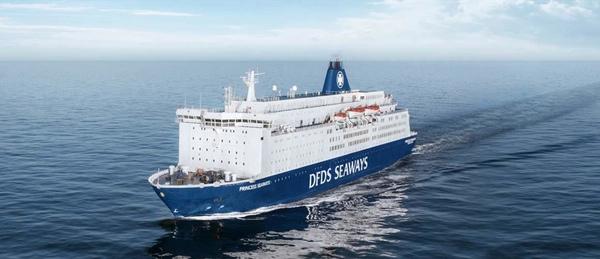 Lloyd Werft mejora un ferry de DFDS Seaways