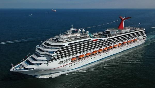 Numero de turistas que llegan a Mexico en crucero desciende