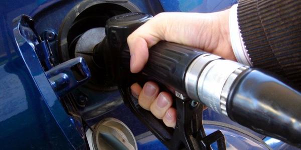 Paraguay aumenta los impuestos del gasoil refinado