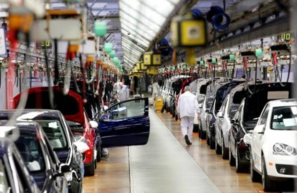 Produccion automovilistica desciende en Mexico en febrero