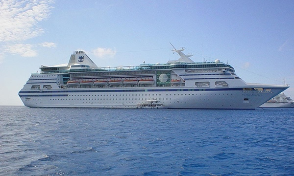 Royal Caribbean suspende salidas del Empress of the Seas