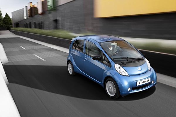 coche-electrico-ciudad