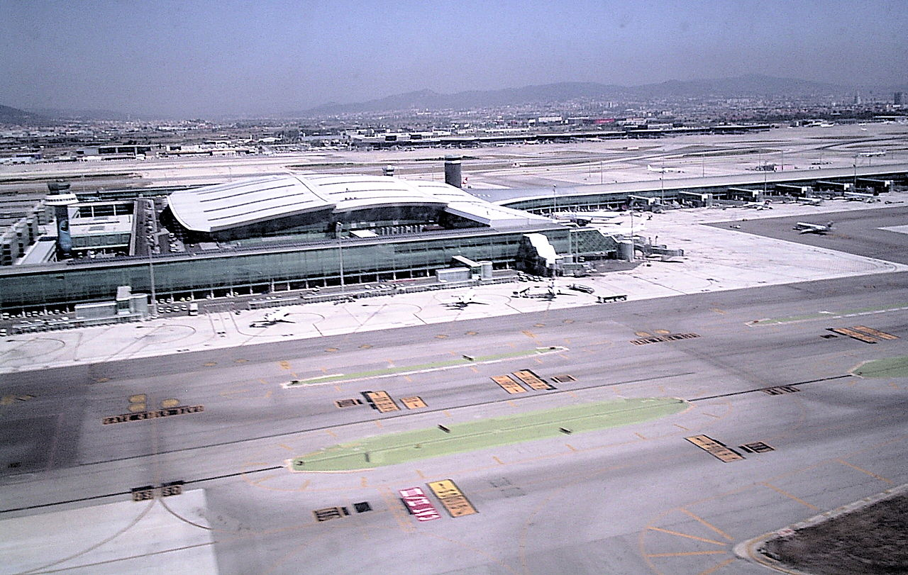 Aena renovará la pista 07L/25R del Aeropuerto de Barcelona-El Prat