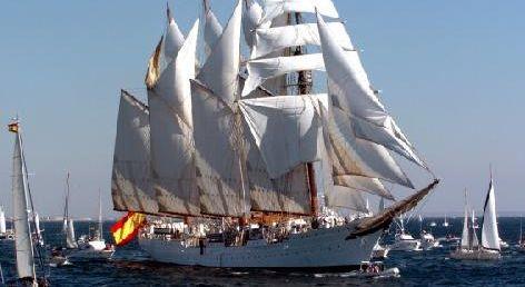 Barco-Juan-Sebastian-de-Elcano