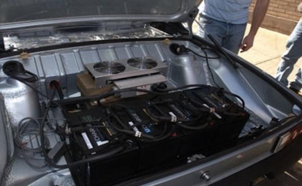 Estudiantes mexicanos desarrollan camioneta electrica
