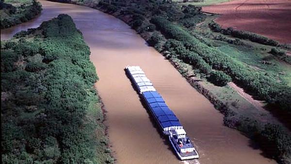 Expertos proponen construccion de hidrovia en Argentina