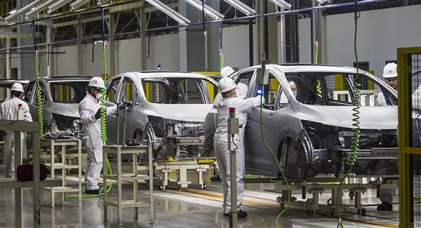 Produccion mexicana de automoviles desciende en marzo